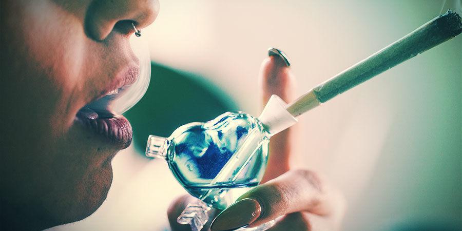 Cómo Funciona Un Bubbler De Marihuana