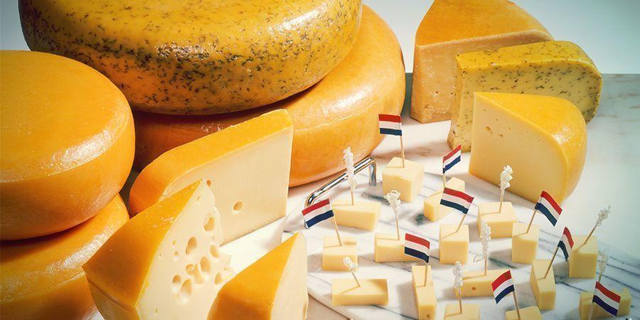 Snacks para fumetas en Ámsterdam: queso holandés