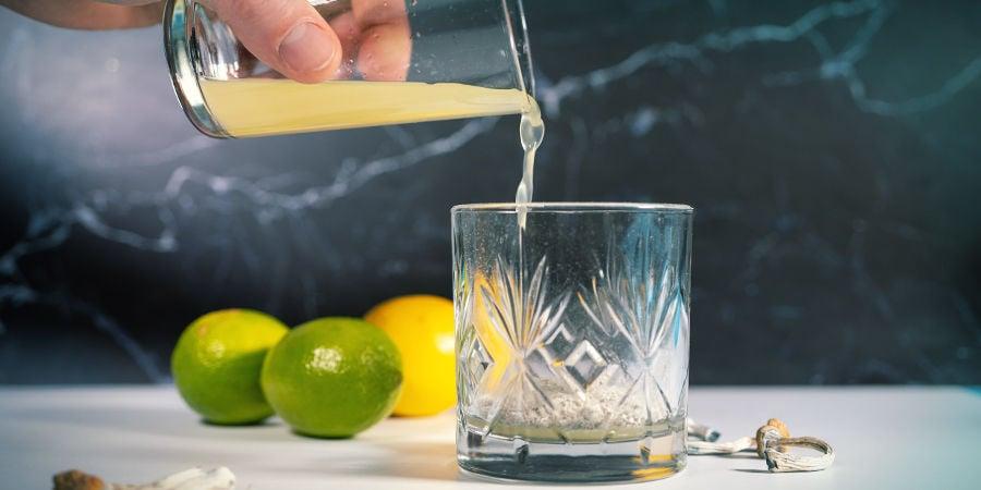 instrucciones para hacer lemon tek: Exprime Los Limones Y Vierte El Zumo Sobre Los Hongos Triturados