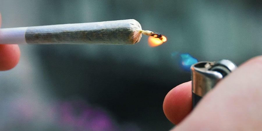 Detectar Los Contaminantes De La Marihuana: Presta Atención Especial Cuando Enciendas Tu Porro, Pipa O Bong