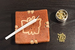 cenicero cannabis