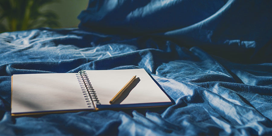 Recordar Sueños: Ten Libreta Y Lápiz Junto Cama