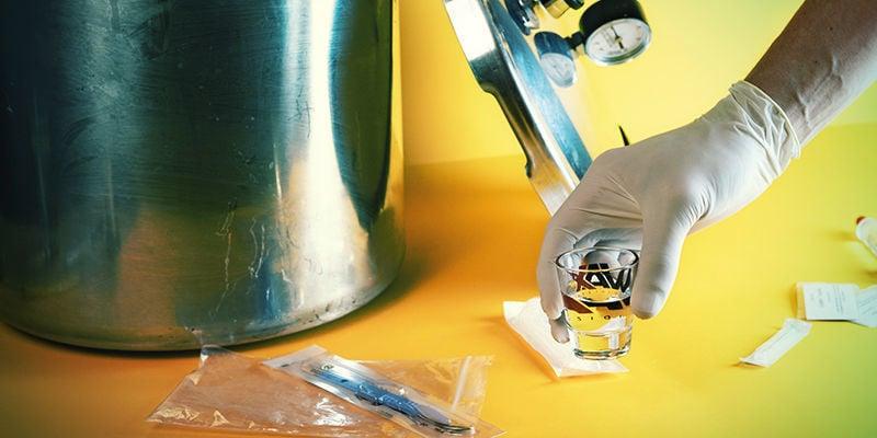 Jeringas De Esporas De Setas Alucinógenas: Saca el vaso de chupito/plato de la olla a presión
